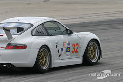 La Porsche 911 GT3RSR n°32 du Cirtek Motorsport (Rob Wilson, Frank Mountain)