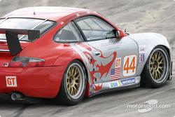 La Porsche 911 GT3RS n°44 du Flying Lizard Motorsports (Lonnie Pechnik, Seth Neiman, Peter Cunningha