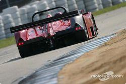 La Lola B2K/40 Nissan n°11 du American Spirit Racing (Jason Workman, Bobby Sak, Scott Bradley)