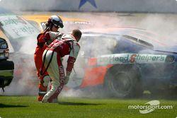 Gus Wasson sort de la voiture