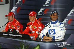 Conferencia de prensa posterior a la clasificación: Michael Schumacher, ganador de la pole, con Rubens Barrichello y Juan Pablo Montoya