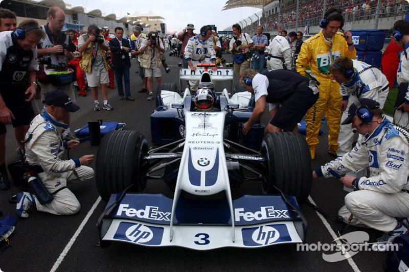 Пілоти Williams стартували з другого ряду: Монтойя з третьої позиції...