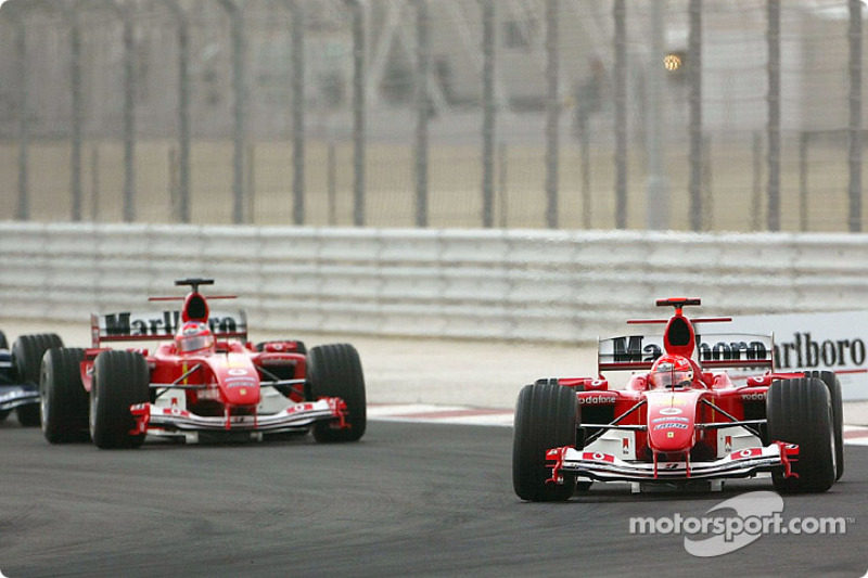 Start: Michael Schumacher leads Rubens Barrichello