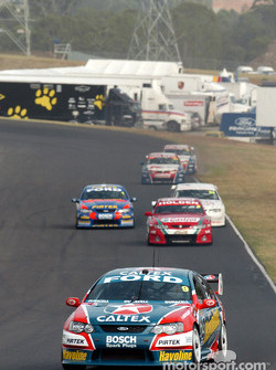 Russell Ingall leads the field during the 2nd practice session