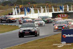Le Pace Car reprend la piste après l'incident impliquant Steven Ellery