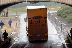 The Thexton team leave Eastern Creek after failing to qualify for the race