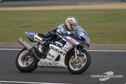 #2 Suzuki-Castrol Team Suzuki GSXR: Stéphane Chambon, Keiichi Kitagawa, Warwick Nowland
