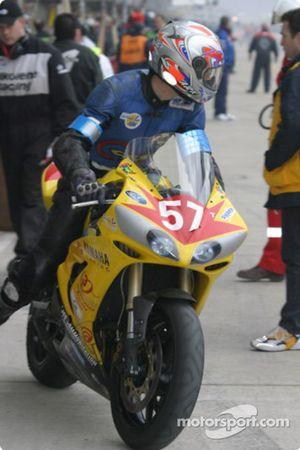 La Yamaha R1 n°57 du Team Moto LTG (Olivier Devise, Herve Gilly, Cyril Huvier)