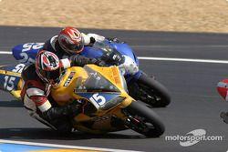 La Yamaha R1 n°15 du Team Zone Rouge (Michel Nickmans, Tom Vanlandschoot)