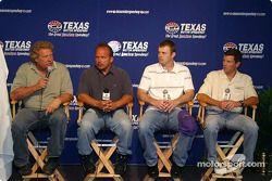 Steve Kinser réponds à des questions à propos de la course IROC qui aura lieu en soirée