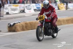 bike-2004-gen-dg-0108