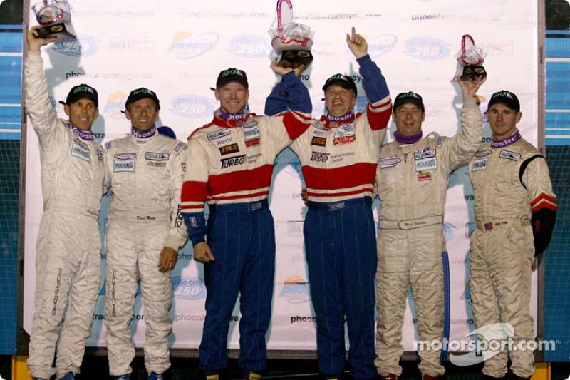 Podium SGS : les vainqueurs Michael Levitas, Randy Pobst, avec Craig Stanton, David Murry, et Marc B