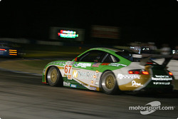 La Porsche 911 GT3RSR n°67 de The Racer's Group (Pierre Ehret, Jim Matthews, Marc Bunting)