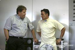 Mercedes-Sportchef Norbert Haug und Jean Alesi