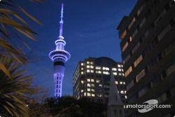 La Sky Tower de nuit