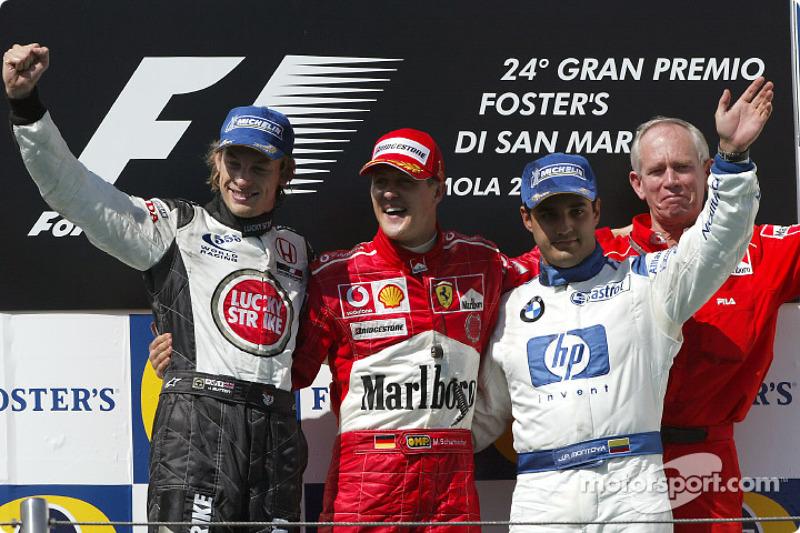 Podio: ganador de la carrera Michael Schumacher con Jenson Button, Juan Pablo Montoya y Rory Byrne