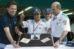 Felipe Massa fête son anniversaire avec Giancarlo Fisichella et Peter Sauber