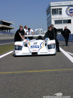 Les membres de l'équipe Champion Racing