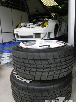 Le garage de l'équipe The Racer's Group
