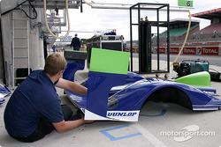 Le garage du Rollcentre Racing