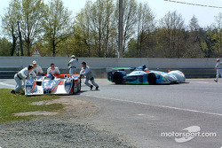Tête-à-queue pour la Lola MG n°25 de RML (Mike Newton, Thomas Erdos, Nathan Kinch)
