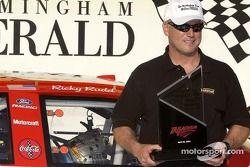 Ricky Rudd fête sa pole position