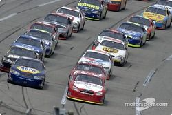 Ricky Rudd and Michael Waltrip lead the field at the start