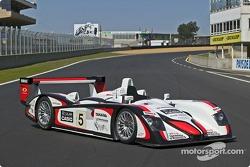 L' Audi R8 n°5 de l'équipe Audi Sport Japan Team Goh