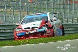 La Vauxhall endommagée de Michael Bentwood