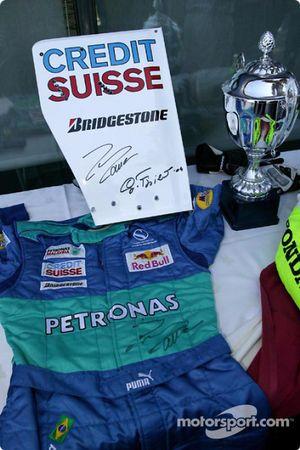 Tennis charity tournament, Open Sports Club Barcelona: Felipe Massa'in pilotu suit, one, items given