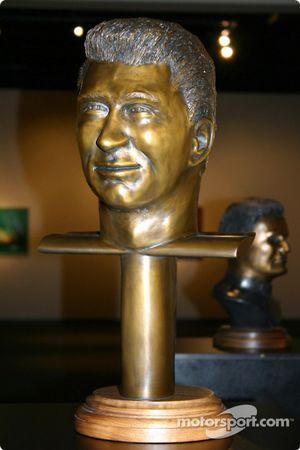 Le buste de Jim Hall
