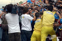 crowd, Fernando Alonso'in autograph session