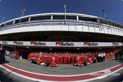 Family picture for Michael Schumacher, Rubens Barrichello and team Ferrari