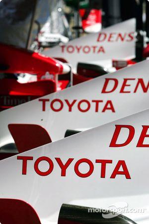 Toyota motor kapağıs
