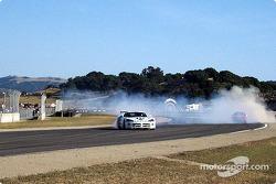 Une Dodge Viper vient dans ma direction lors de la compétition de drift
