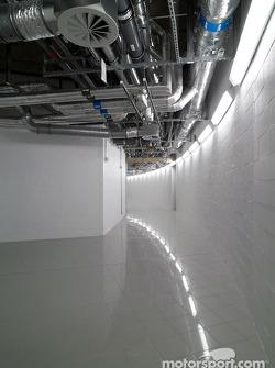 L'intérieur du McLaren Technology Centre, au niveau -1