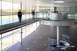 VIP walkway ve reception pod