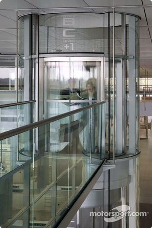 Scenic lift