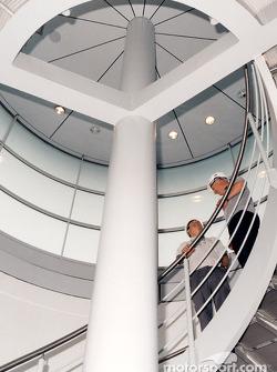 L'intérieur du McLaren Technology Centre