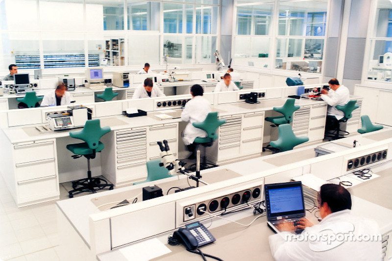 McLaren electronic systems
