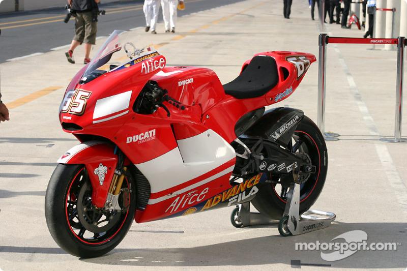 2004: Ducati Desmosedici GP4