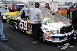 Le truck de Mark McFarland passe l'inspection technique