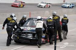 Travis Kvapil's day ends early