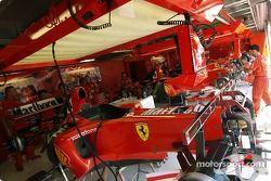 Боксы команды Ferrari