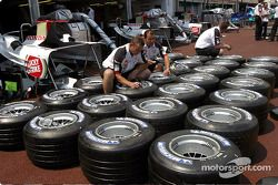 BAR team members prepare tires