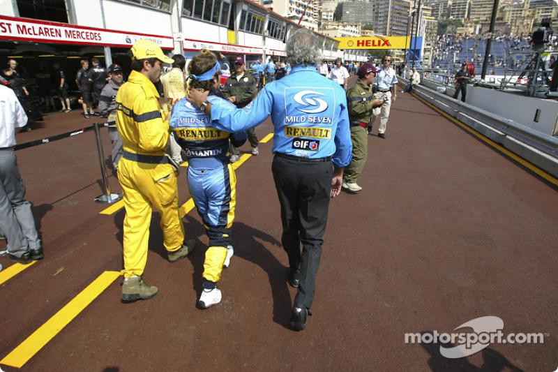После триумфа в Монако Трулли больше не выигрывал – в 2004-м форма Renault этого еще не позволяла. Но итальянец выступал уверенно, стабильно набирал очки и заметно опережал своего напарника Алонсо