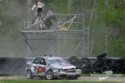 L'Audi S4 n°04 du Istook/Aines Motorsport (Anders Hainer, Don Istook), en tête, se crashe tôt dans l