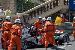 Christian Klien fuera en vuelta 1