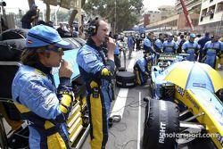 Fernando Alonso sur la grille de départ