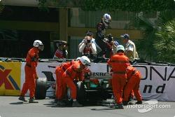 Christian Klien fuera en la vuelta 1